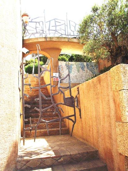 CANCELLO PEDONALE IN FERRO BATTUTO ARTIGIANALE Cancello pedonale in ferro battuto artigianale
